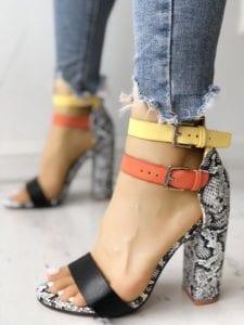 Tacones de moda gruesos