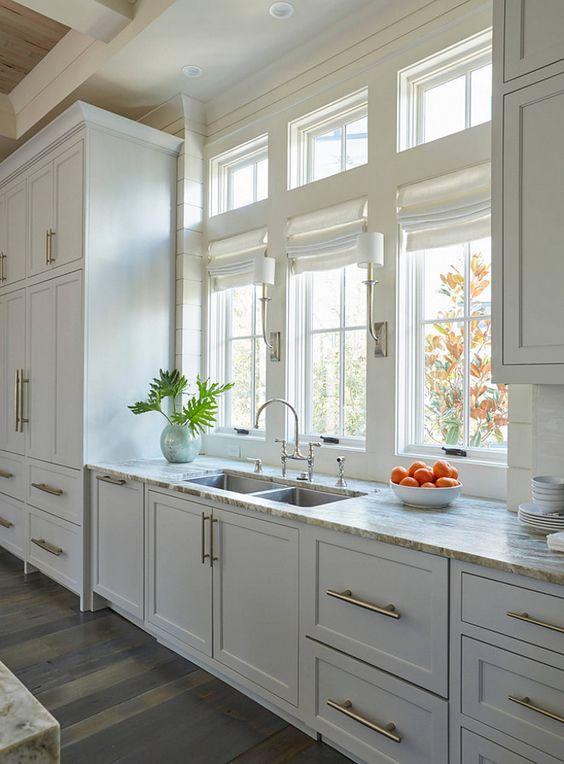 Ventanas en frente del fregadero en la cocina ¡Se ven increibles!