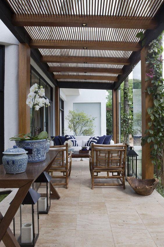 29 opciones fantasticas pergolas toldos patio 26 for Toldos para patios interiores