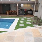 30 diseños de albercas en jardines pequeños