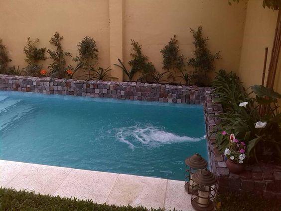 30 disenos albercas jardines pequenos 21 decoracion de for Diseno de jardines pequenos con piscina