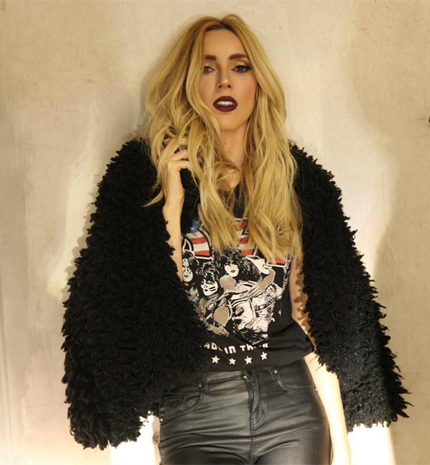 30 ideas de outfits inspirados en un estilo rockero