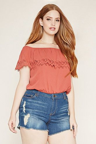 30 Outfits off the shoulder para chicas talla grande