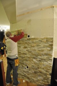 33 Ideas para decorar con piedra las paredes de tu casa