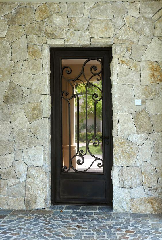 40 dise os de rejas para puertas y ventanas decoracion for Puertas para oficinas precios