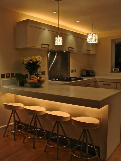 31 Ideas de diseño para islas desayunadoras o barras de cocina