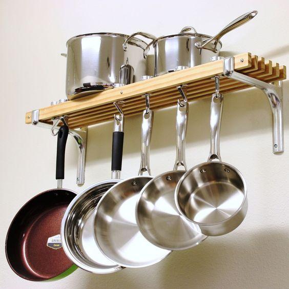 Organizar colgar las ollas cocina 17 decoracion de - Ollas de cocina ...