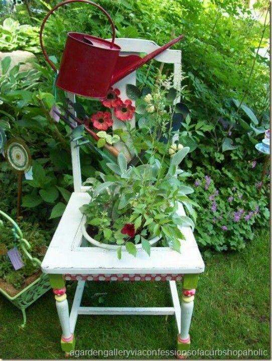 Sillas maceteras para decorar tu jardín