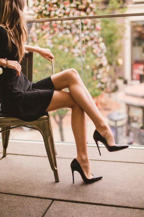 Tacones de punta ideales para looks formales
