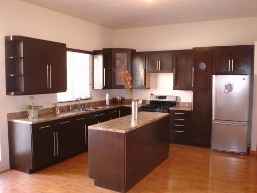Cocinas color chocolate - Muebles de cocina color wengue ...