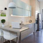 Diseños de cocinas pequeñas con barra