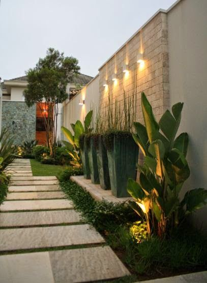 Jardines entradas pasillos 17 como organizar la casa for Jardines pequenos para frentes de casas