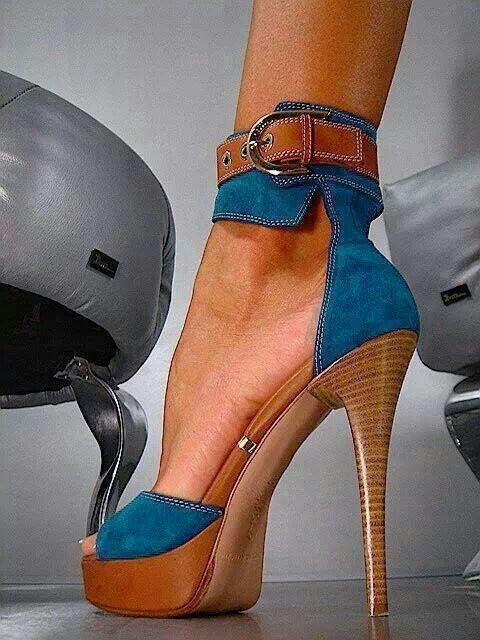 Tacones ajustados al tobillo ¡Un toque sexy a tu look!