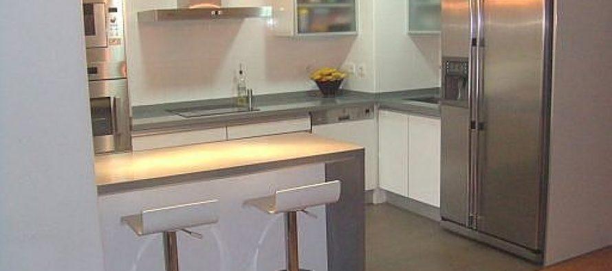 27 ejemplos para dise ar correctamente una cocina peque a - Ejemplos cocinas pequenas ...