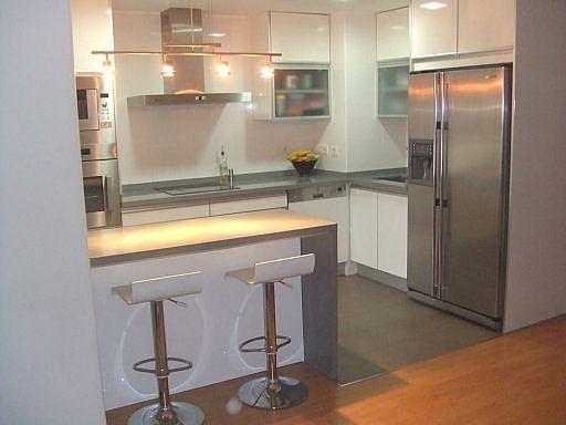 27 ejemplos para dise ar correctamente una cocina peque a for Muebles de cocina americana pequena