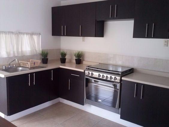 27 ejemplos para dise ar correctamente una cocina peque a for Como aprovechar una cocina pequena