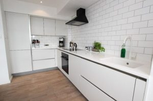 Cocinas en L que te van a gustar si tu casa es pequeña