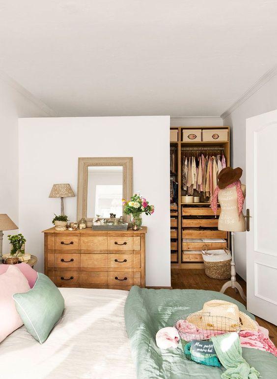 ¿Cómo puedo decorar mi casa sin gastar mucho dinero?