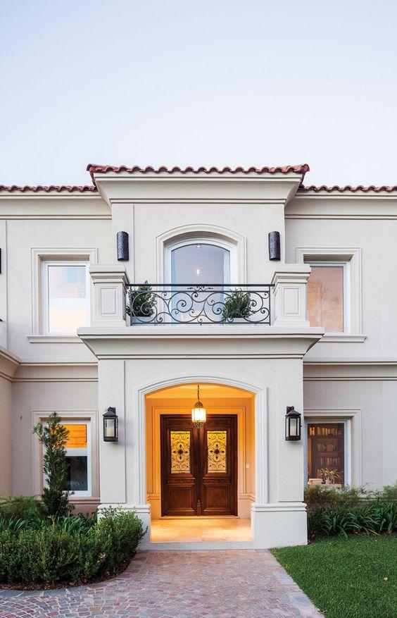 Dise o de casas con entradas preciosas y modernas for Disenos para frentes de casas