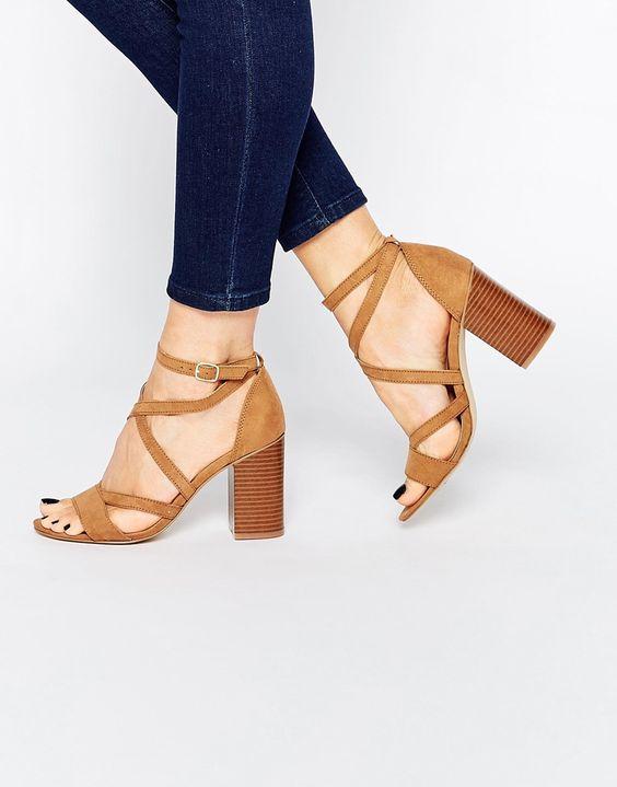 Dise os de zapatos para complementar looks de verano for Diseno de zapatos