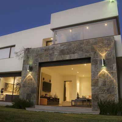 Fachadas casas modernas 12 for Piedras para fachadas minimalistas