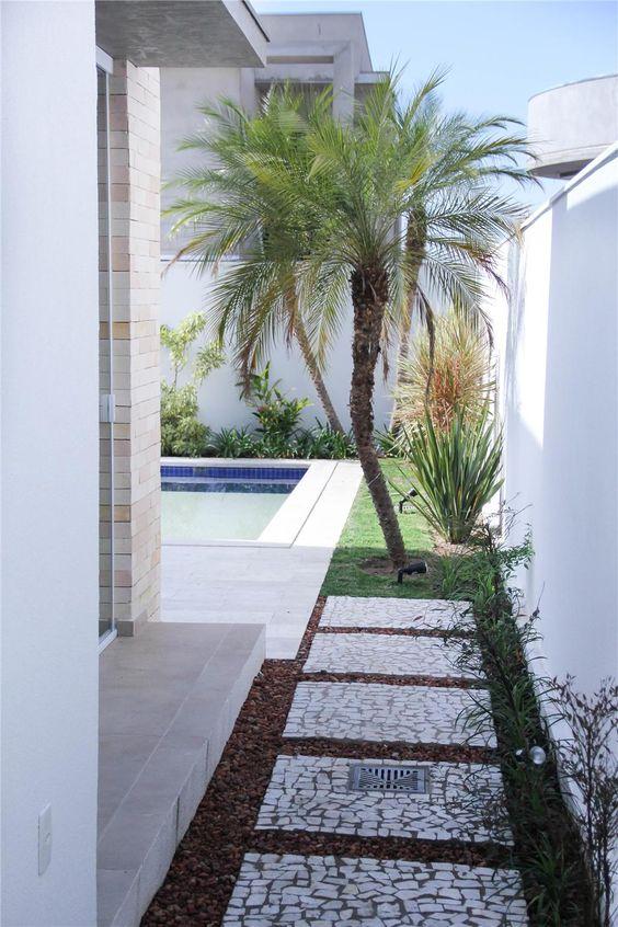 Ideas fabulosas renovar la entrada pasillos casa 13 for Renovar fachadas de casas