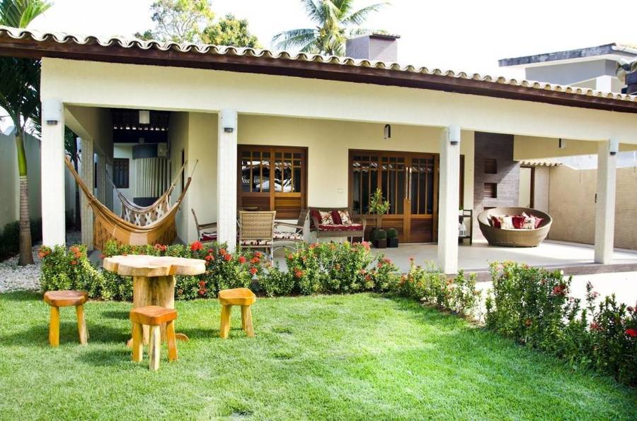 12 dise os de casas de campo decoracion de interiores for Fotos de patios de casas pequenas