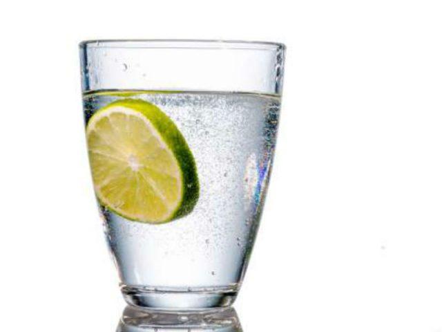 agua con limon receta casera para perder peso
