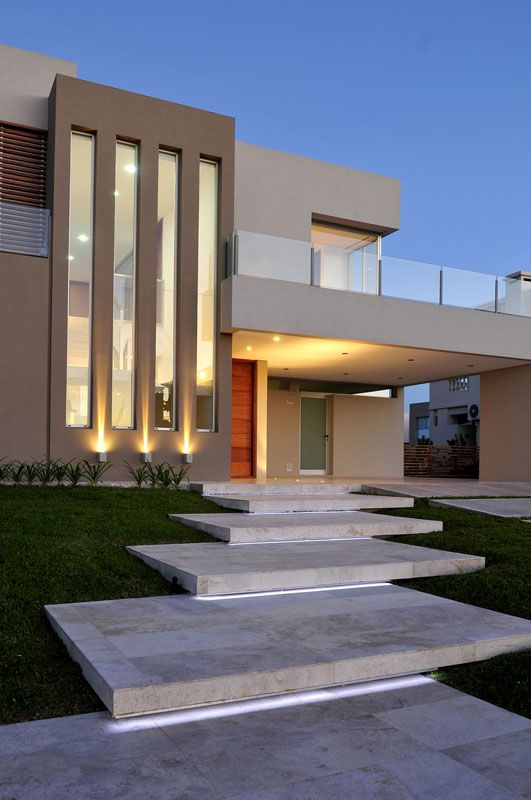 8 hermosos dise os de casas con fachada moderna for Estilos arquitectonicos contemporaneos