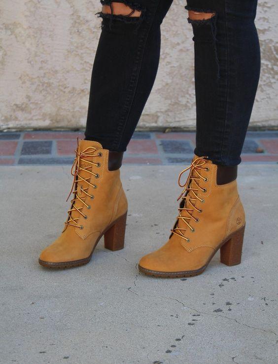 Outfit con botas timberland de tacón