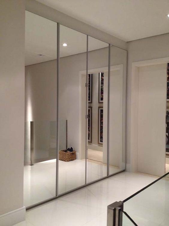 Closets con puertas de espejo for Ideas puertas de closet