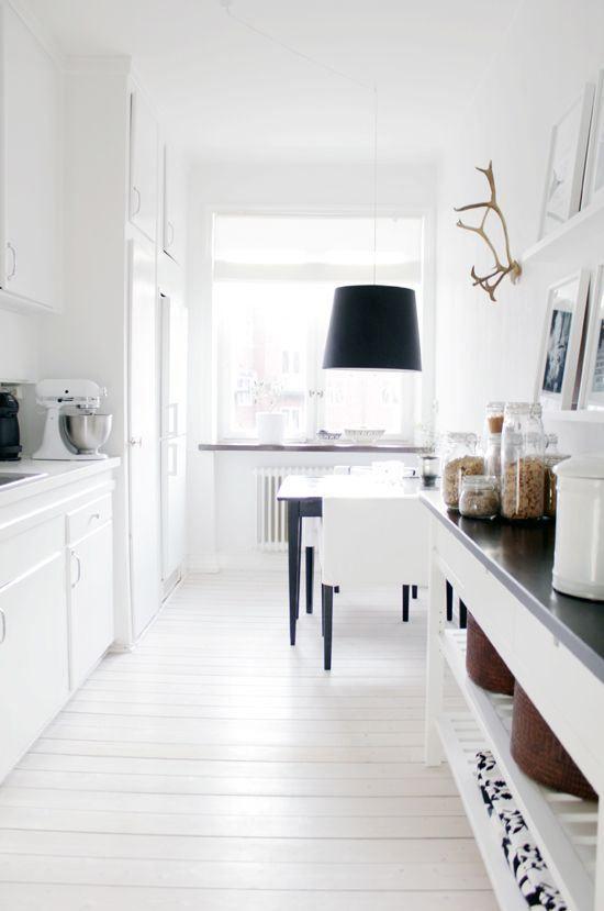 Decoraci n de cocinas alargadas for Casas estrechas y alargadas