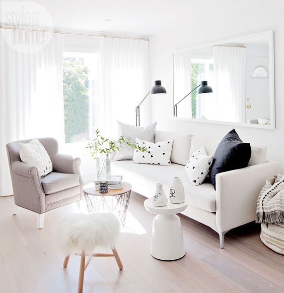 White color for small rooms