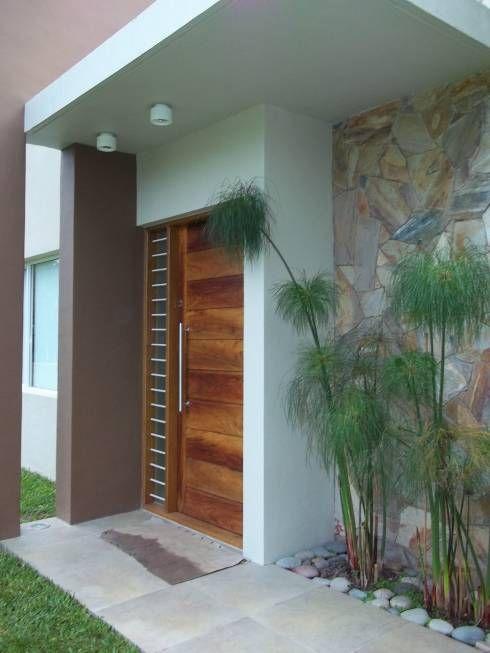 Disenos puertas frente casa 15 como organizar la casa for Disenos de frentes de casas modernas