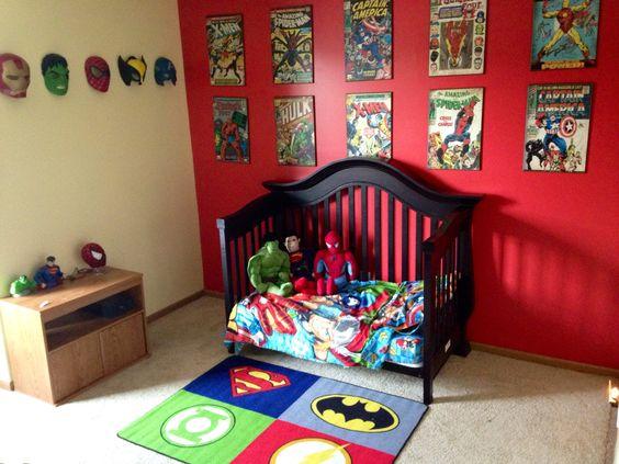 Habitación infantil decorada con tema super héroes