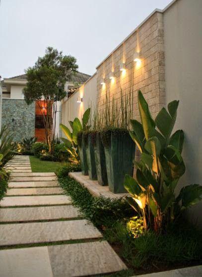 Pasillos exteriores decorados 15 como organizar la for Decoracion de jardines y muros exteriores