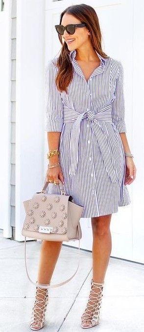 Outfit con Prendas de Rayas Verticales