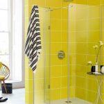 Baños decorados con color amarillo
