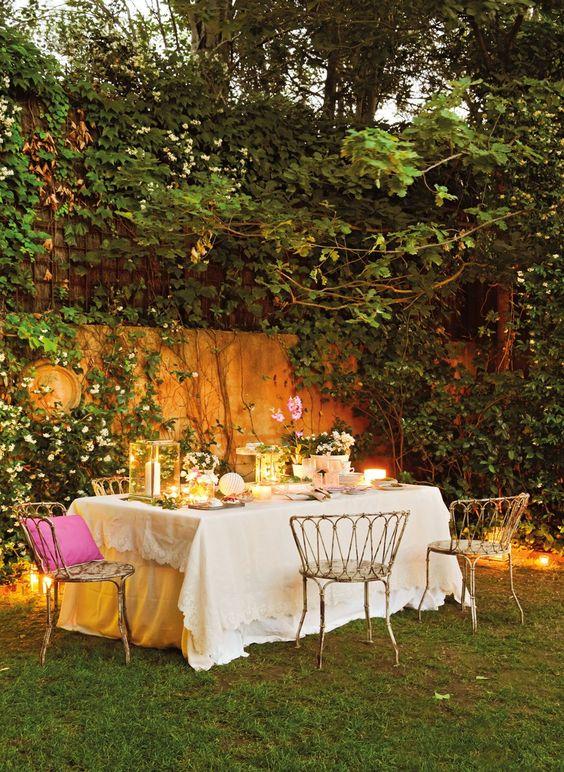 Como decorar el Jardín añadiendo una Linda Mesa