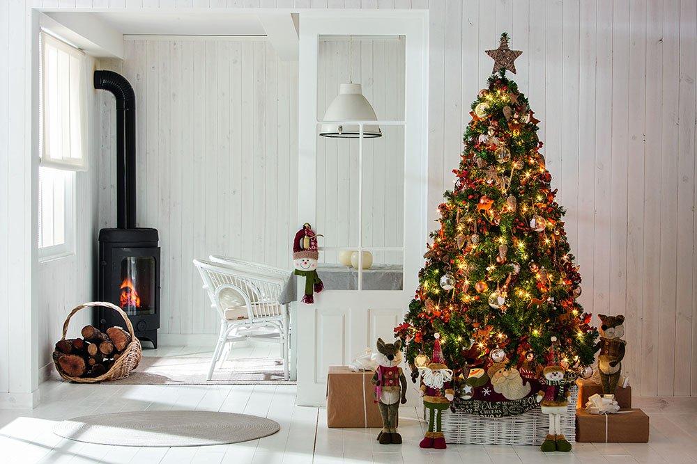 Mira como decorar tu árbol navideño 2019 comprando los productos en Sears