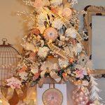 Decoración de Árboles Navideños que añaden un toque moderno y bohemio