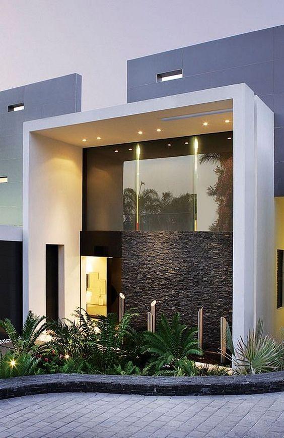 Fachada de casa sencilla con detalle en piedra (4)