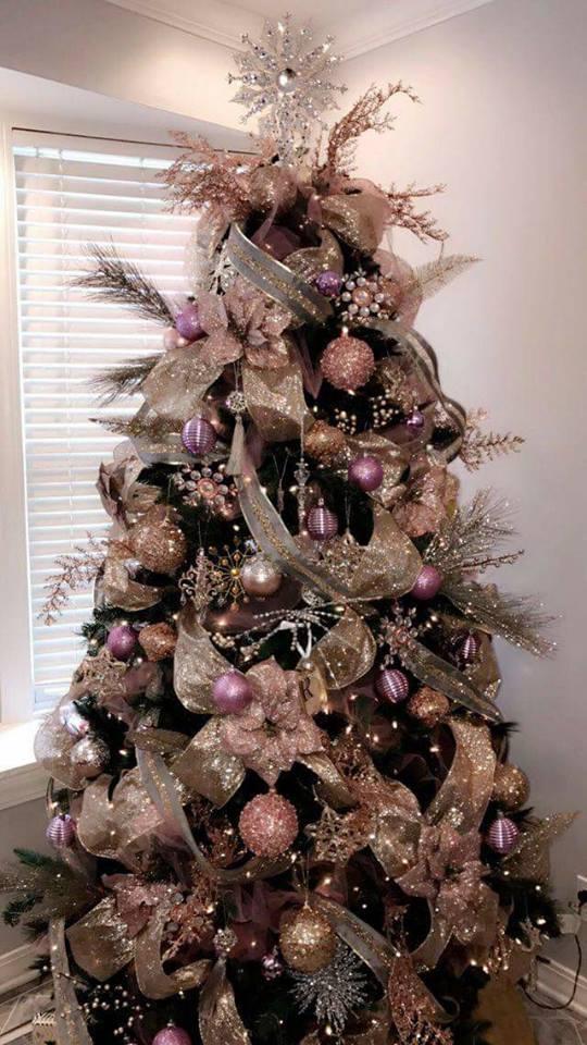 Ponte a la Moda y Decora tu Hogar con Detalles Navideños en Oro RosadoPonte a la Moda y Decora tu Hogar con Detalles Navideños en Oro Rosado