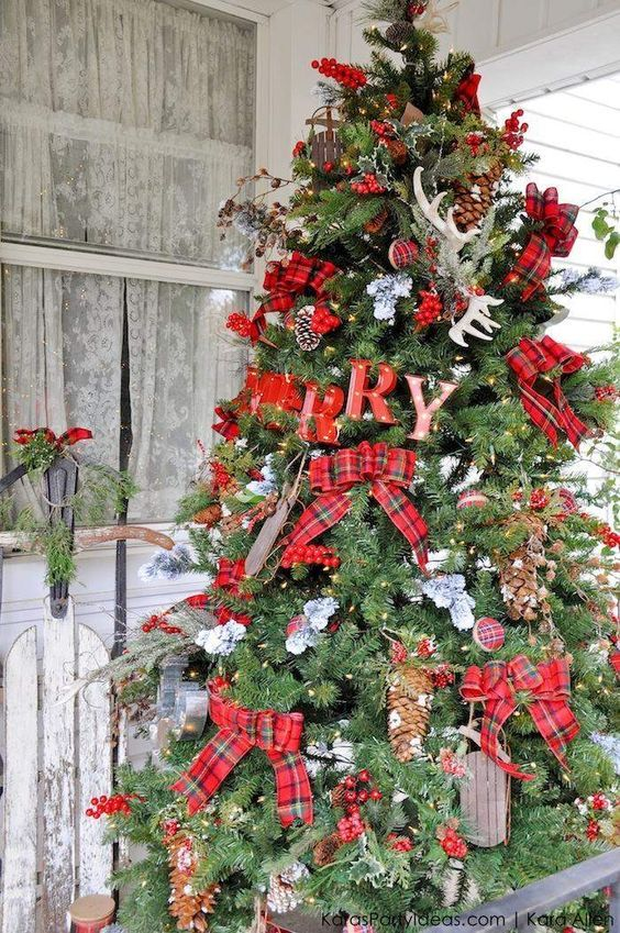 Maneras de usar cuadros escoceses esta navidad