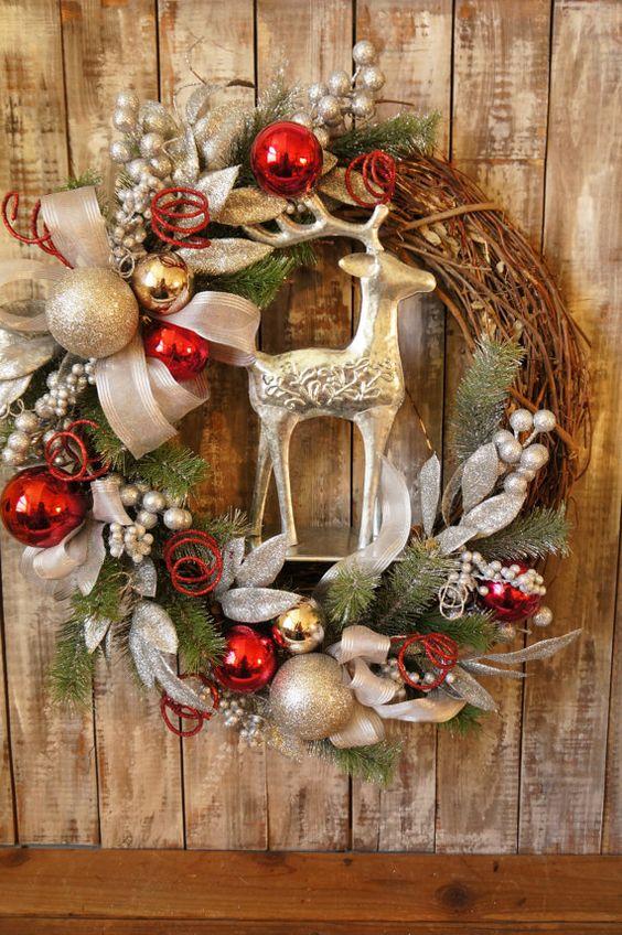 si te decides por aadirle un detalle especial al diseo de tu corona los venados o renos son la mejor de las opciones que te parece este diseo de arriba - Coronas De Navidad