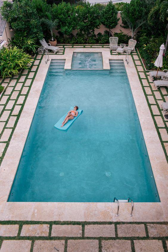 Dise os de bordes y exteriores para piscinas for Ideas para albercas