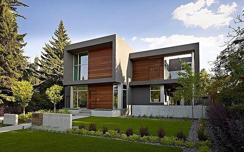 fachada con frisos de madera