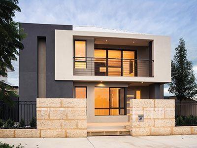 fachada de casa pequena con detalles en pintura marron