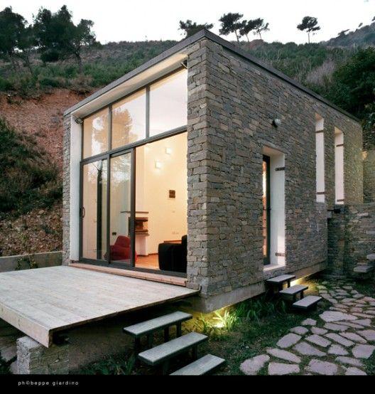fachada de la casa pequena con pared de vista de ladrillo voluntad (3)