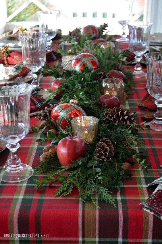 Mantelería para mesas de navidad decoradas